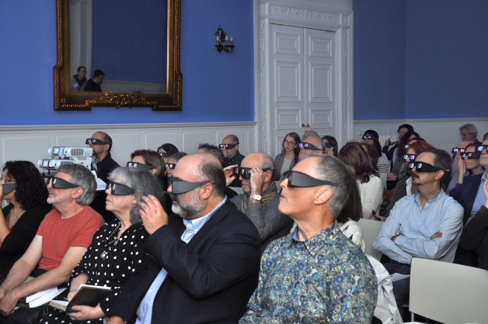 Asistentes disfrutando de una proyección 3D. 23/10/19